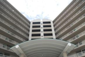 Sea Breeze condo rentals along Biloxi Beach
