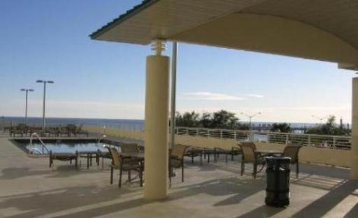 Vacation condo - Ocean Club at Biloxi pool area overlooking the Gulf of Mexico