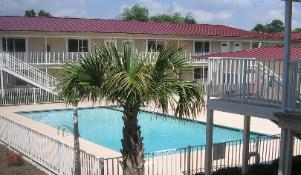 Oak Shores low rise condo rental, Biloxi, MS
