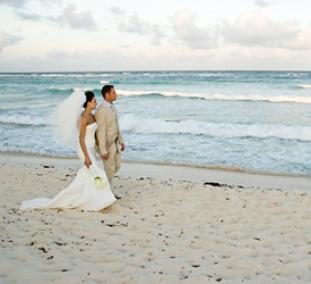 Biloxi Beach Hosts Many Weddings Throughout The Year
